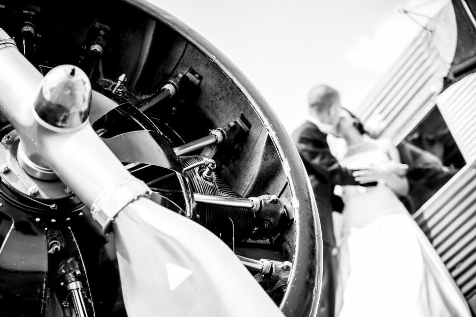 Hochzeitsfotos am Flugplatz in Dübendorf – Fabienne und Roger