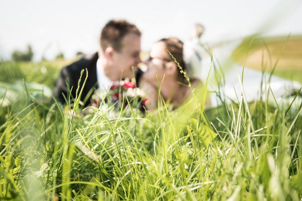 Brautpaar Fotos auf Bauernhof