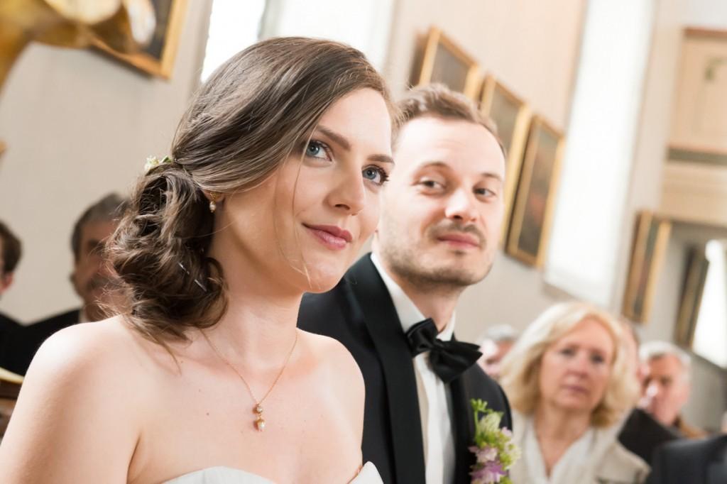 Hochzeitsfotos in der Kirche