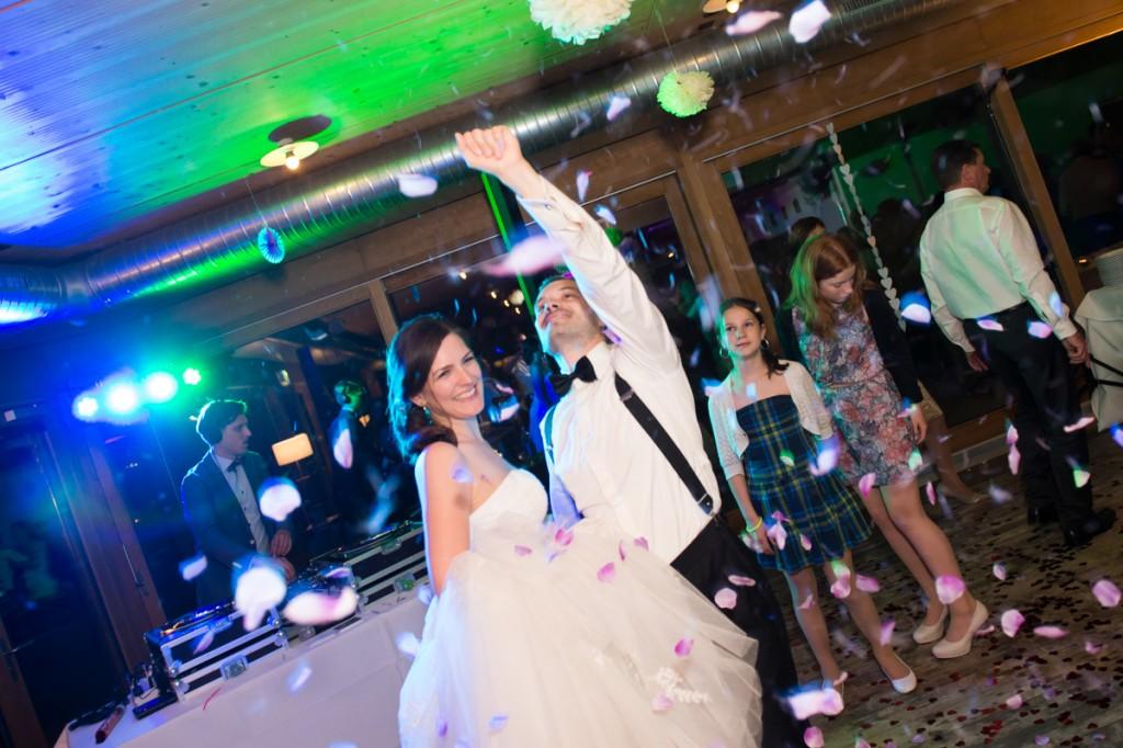 Party und Tanz bei Hochzeit im Bächlihof