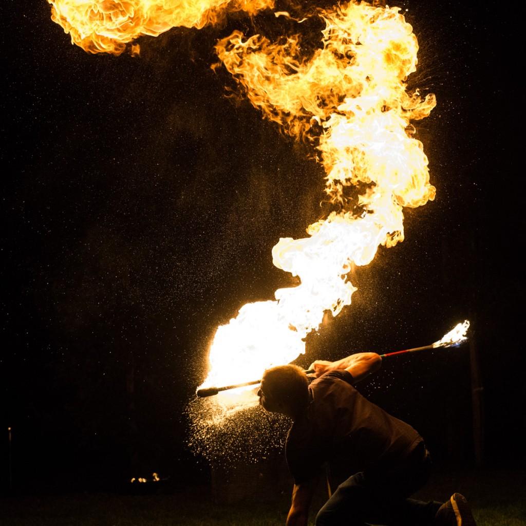Licht und Feuer Show bei Hochzeit