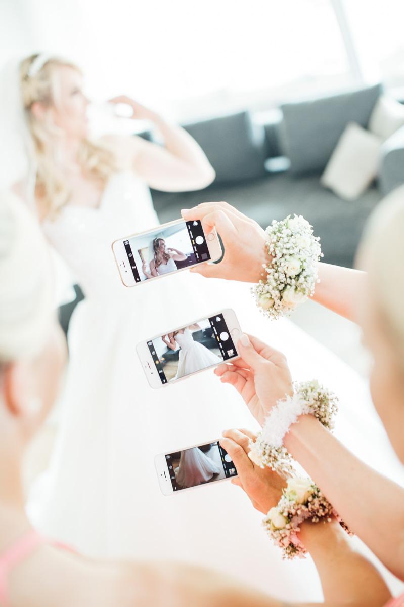 Vorbereitungen Hochzeit Brautjungfern