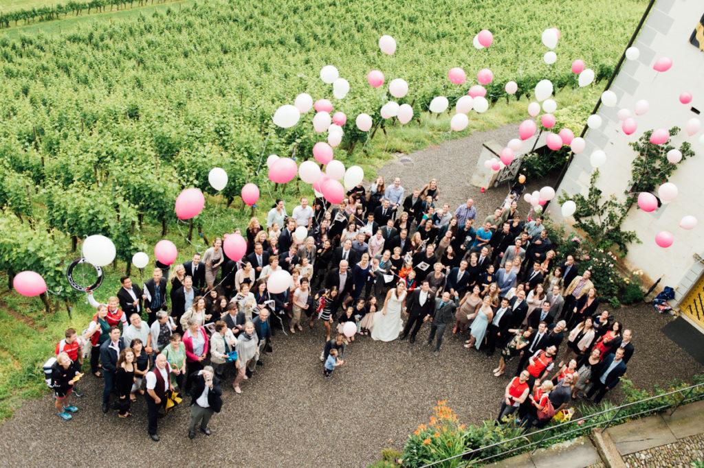 Gruppenfoto Ballons Hochzeit