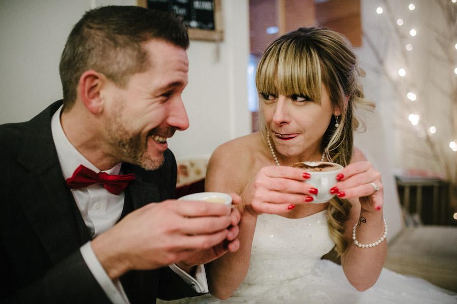Hochzeitsfotos Rapperswil im Cafe