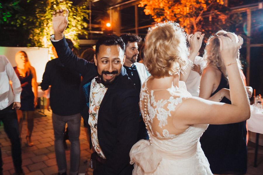 Party am Abend bei der Hochzeit