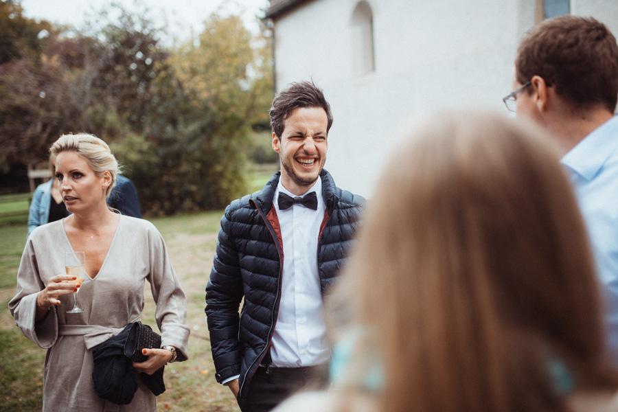 Gäste bei Hochzeit