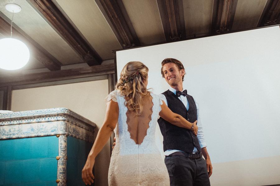 Hochzeitspaar tanzt