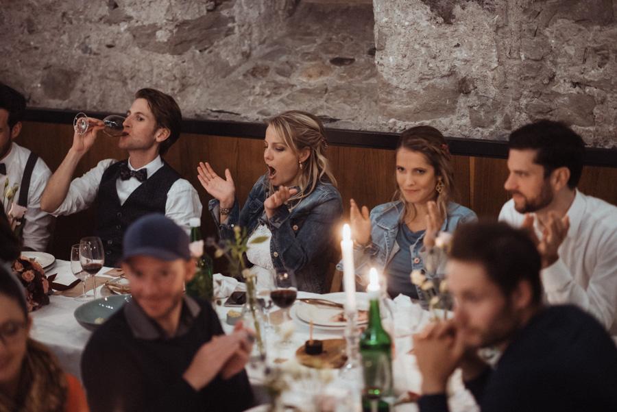 Ausgelassene Stimmung Hochzeit