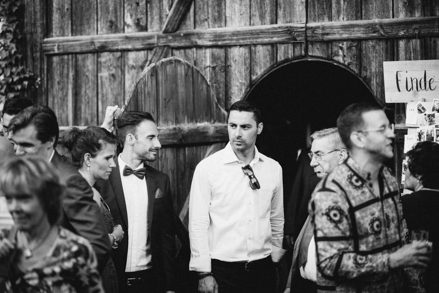 Gäste bei Hochzeitsapero