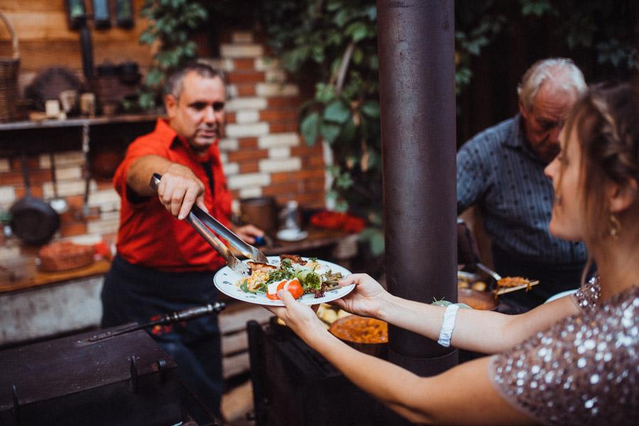 Grillieren bei Hochzeit