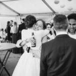 Gratulation der Gäste bei Hochzeit