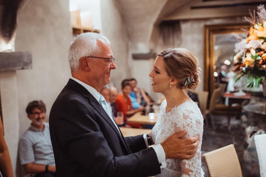 Hochzeitsfotos Zürich Weinschenke Hirschen