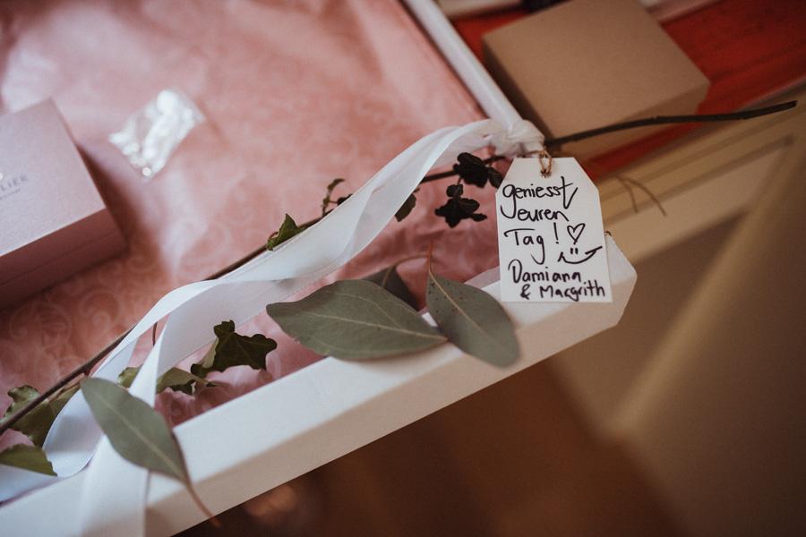 Blumenschmuck Braut Hochzeit
