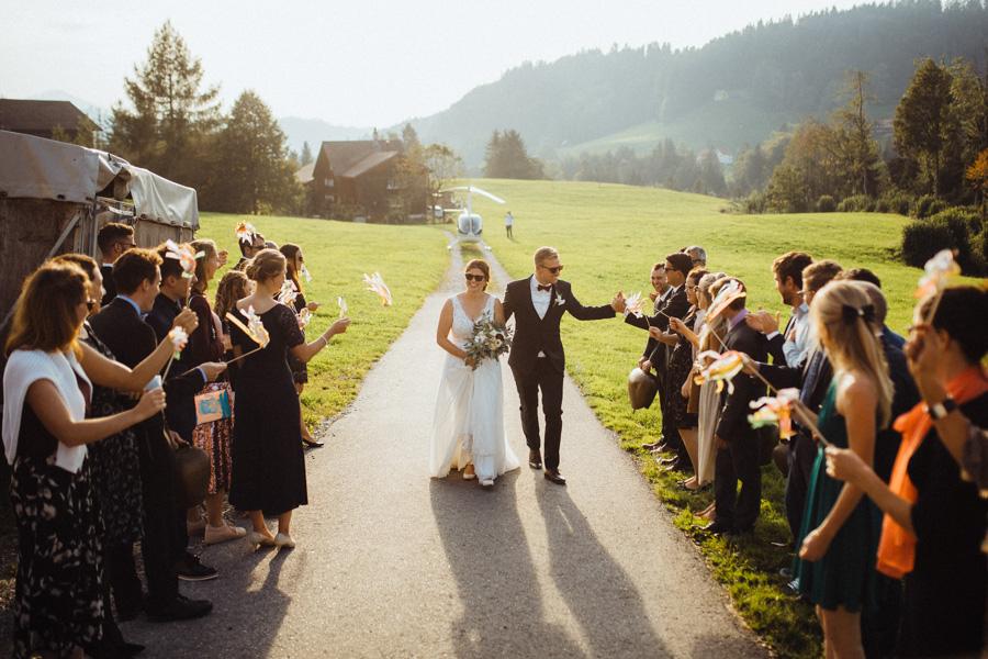 Ankunft Brautpaar mit Helikopter