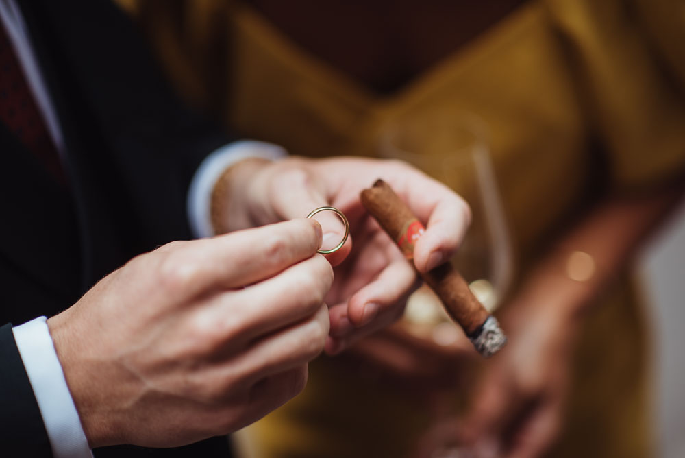 Ehering und Zigarre
